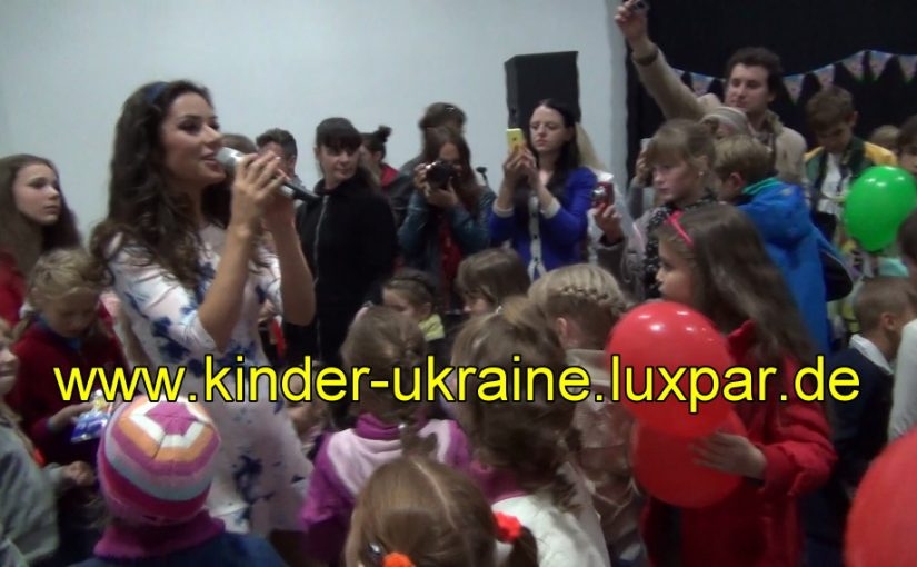 Zlata singt für Kinder aus Kriegsgebieten der Ostukraine
